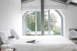 Stoere slaapkamer van Villa Vergelle