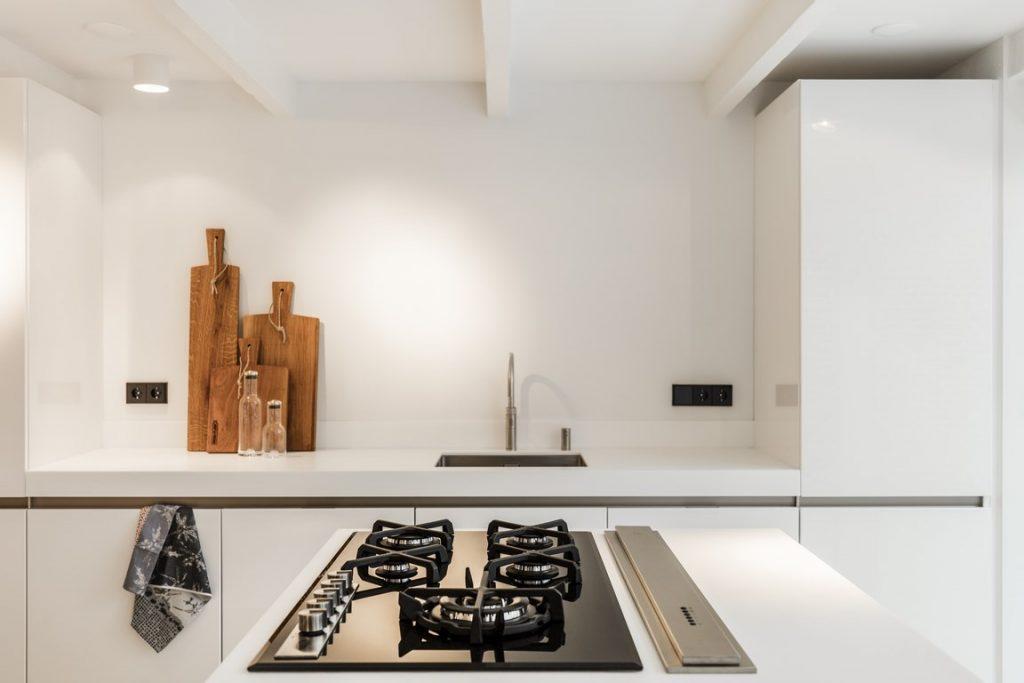 strakke-witte-keuken