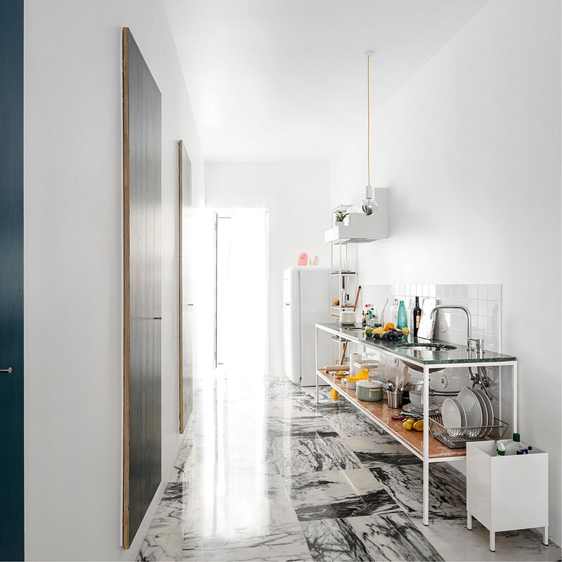 super-mooi-ingericht-smal-appartement-lissabon-2