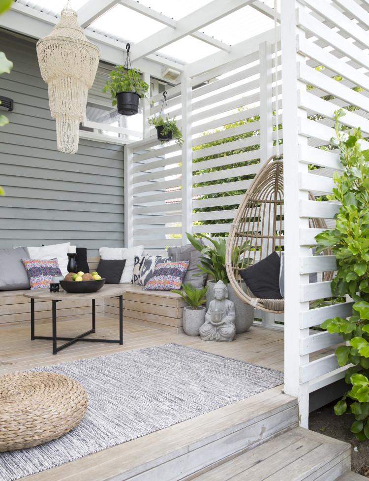 Tuin met een overdekt veranda terras