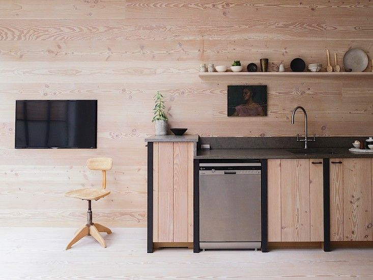 Tv In Keuken : Tv in the kitchenu as long as i can hide it in a cabinet same