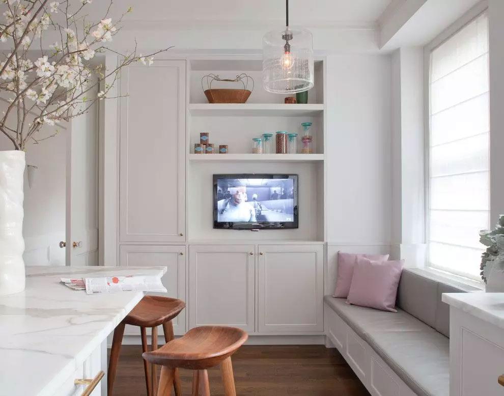 TV geïntegreerd in de keuken