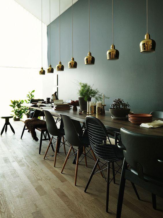 Verschillende stoelen in dezelfde kleur