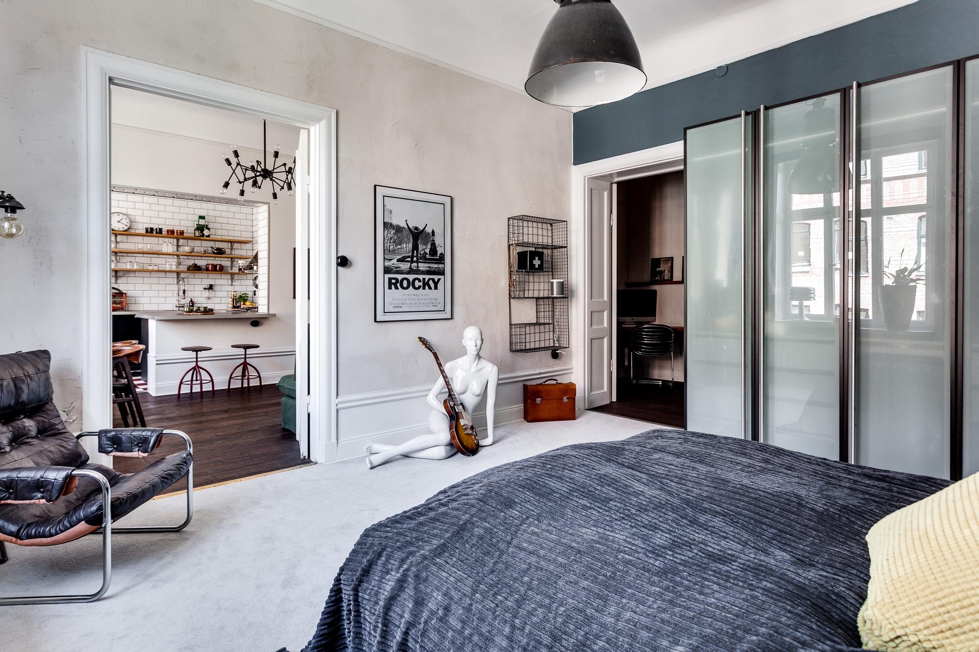In deze vintage slaapkamer vind je hele leuke en inspirerende ...