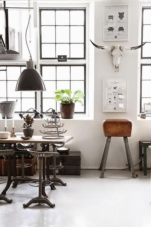 Vintage turntoestellen in huis
