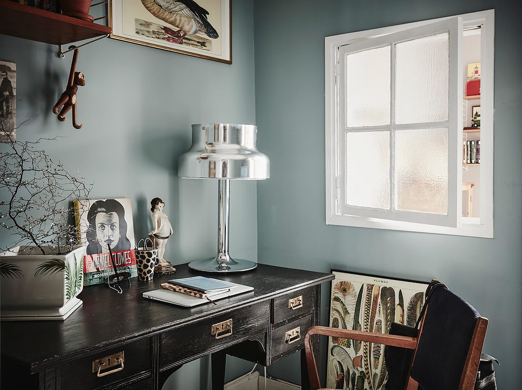 Inloopkast In Tussenkamer : Vintage werkplek in een scandinavische tussenkamer homease
