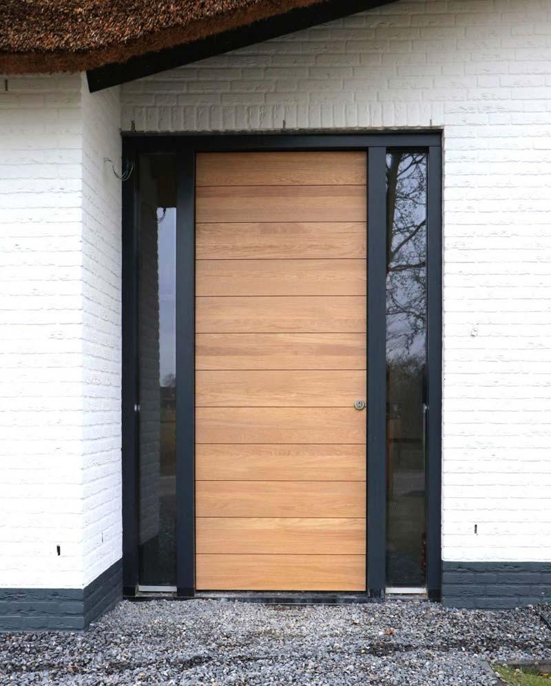 Voortuin ideeën houten voordeur