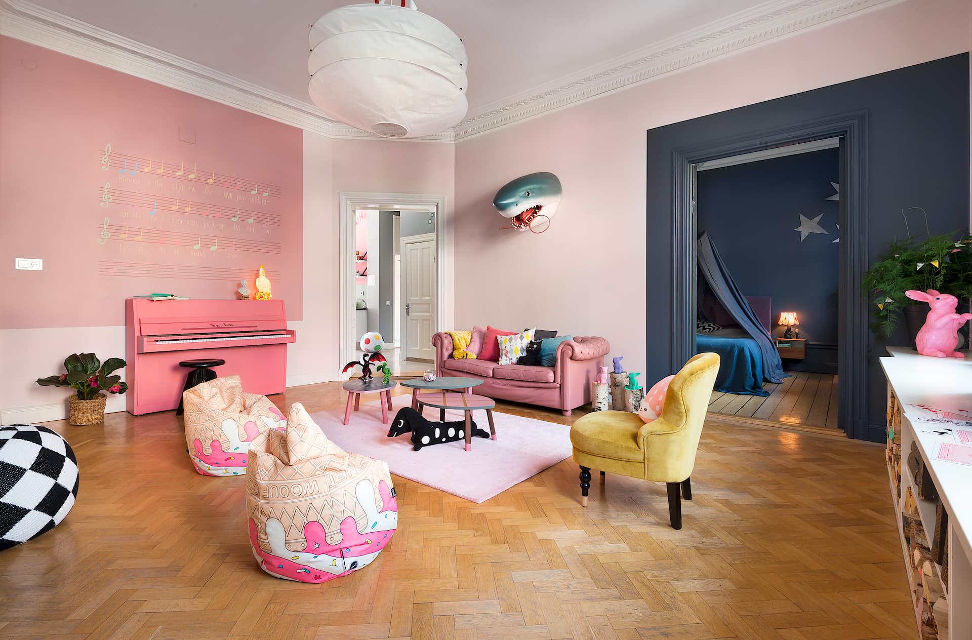 Scandinavisch Appartement Inspiratie : Vrolijke gedurfde kleuren in een scandinavisch appartement homease