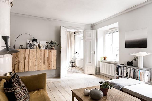 Woonkamer Lichte Kleuren : Warme kleuren in een scandinavische woonkamer homease