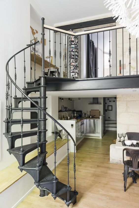 ode aan de wenteltrap homease. Black Bedroom Furniture Sets. Home Design Ideas