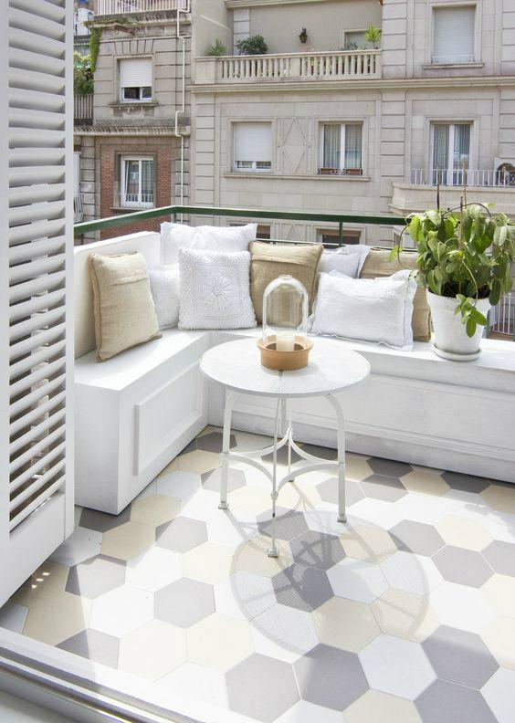 white-cool-house-interior-design-7