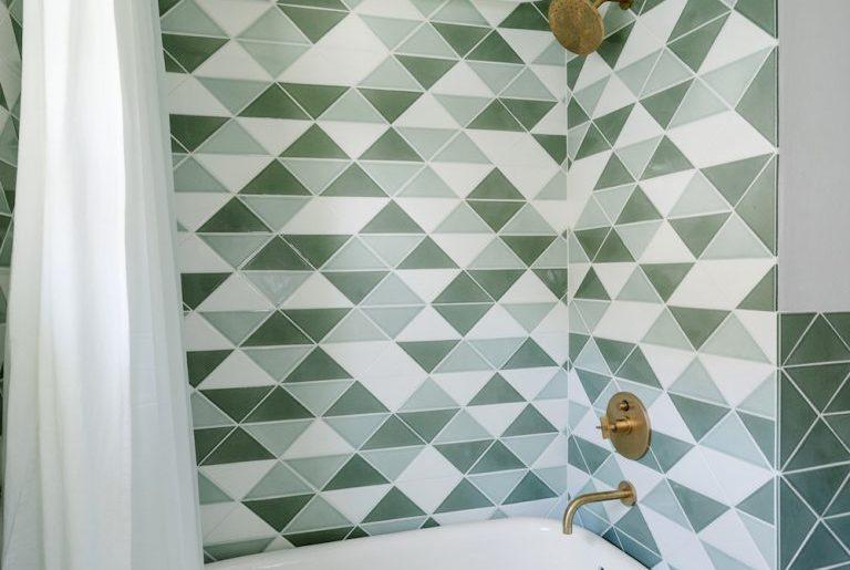 Retro Wandtegels Badkamer : Retro badkamer van chase en lauren homease