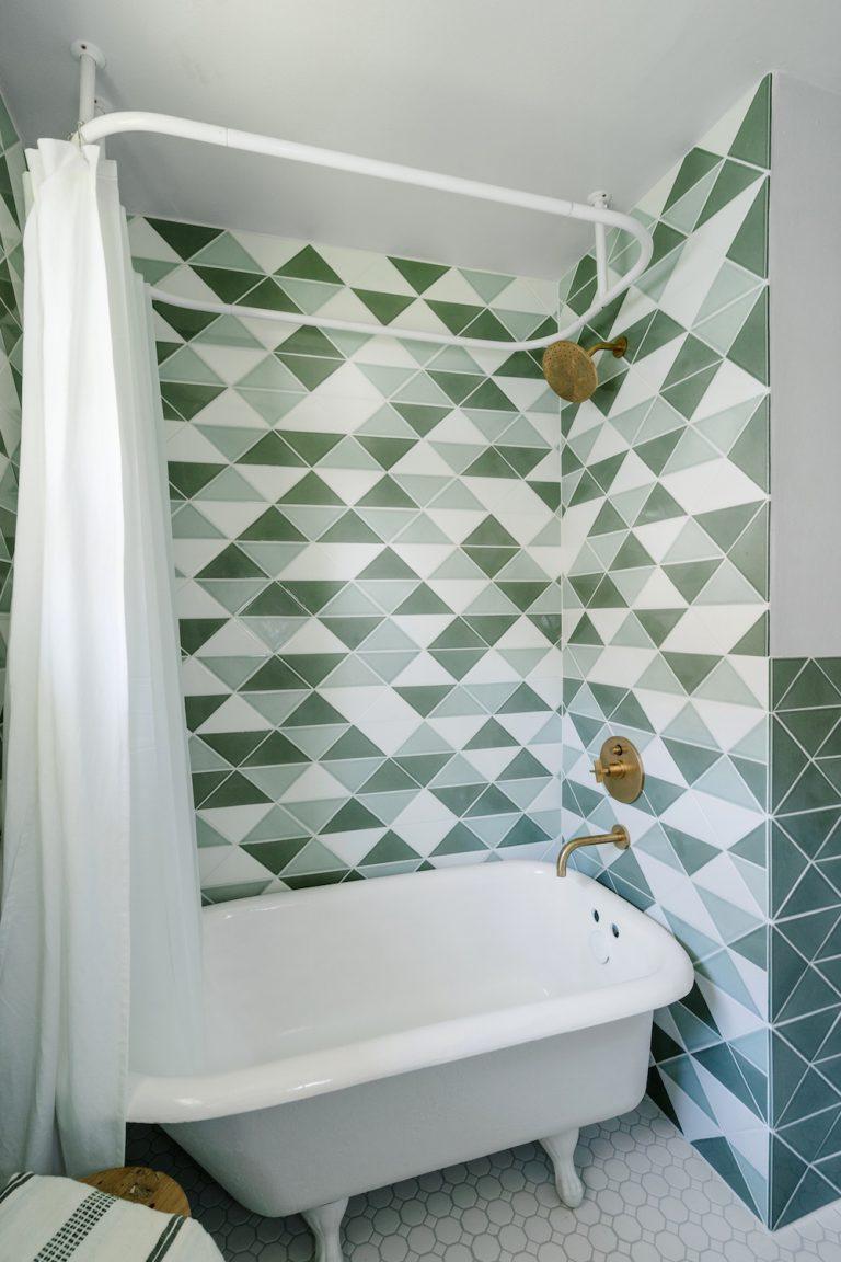 Retro badkamer van Chase en Lauren | HOMEASE
