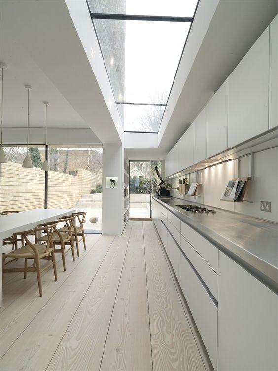 witte-keuken-rvs-keukenblad