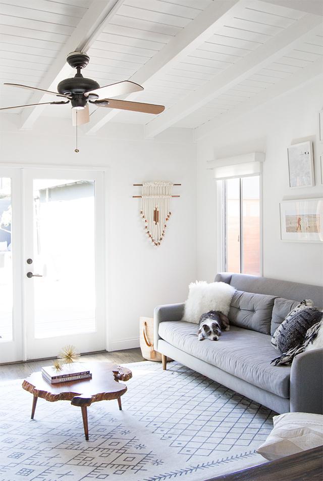 witte-muren-plafond-woonkamer