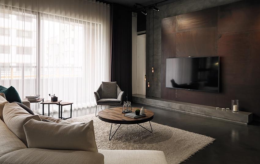 In deze woonkamer is luxe met industrieel gecombineerd!
