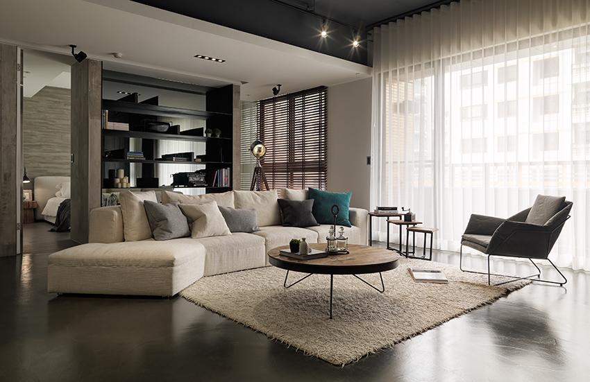 In deze woonkamer is luxe met industrieel gecombineerd Woonkamer industrieel
