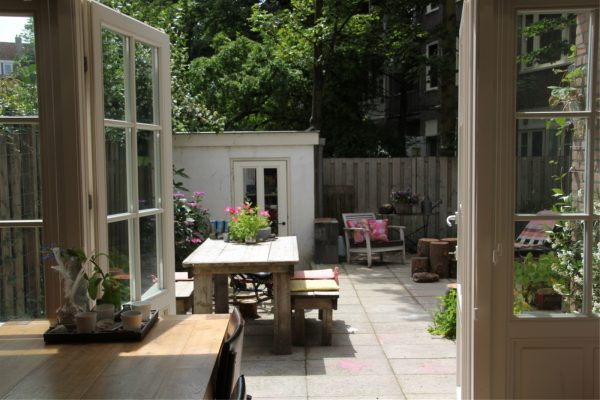 woonkamer openslaande deuren-tuin