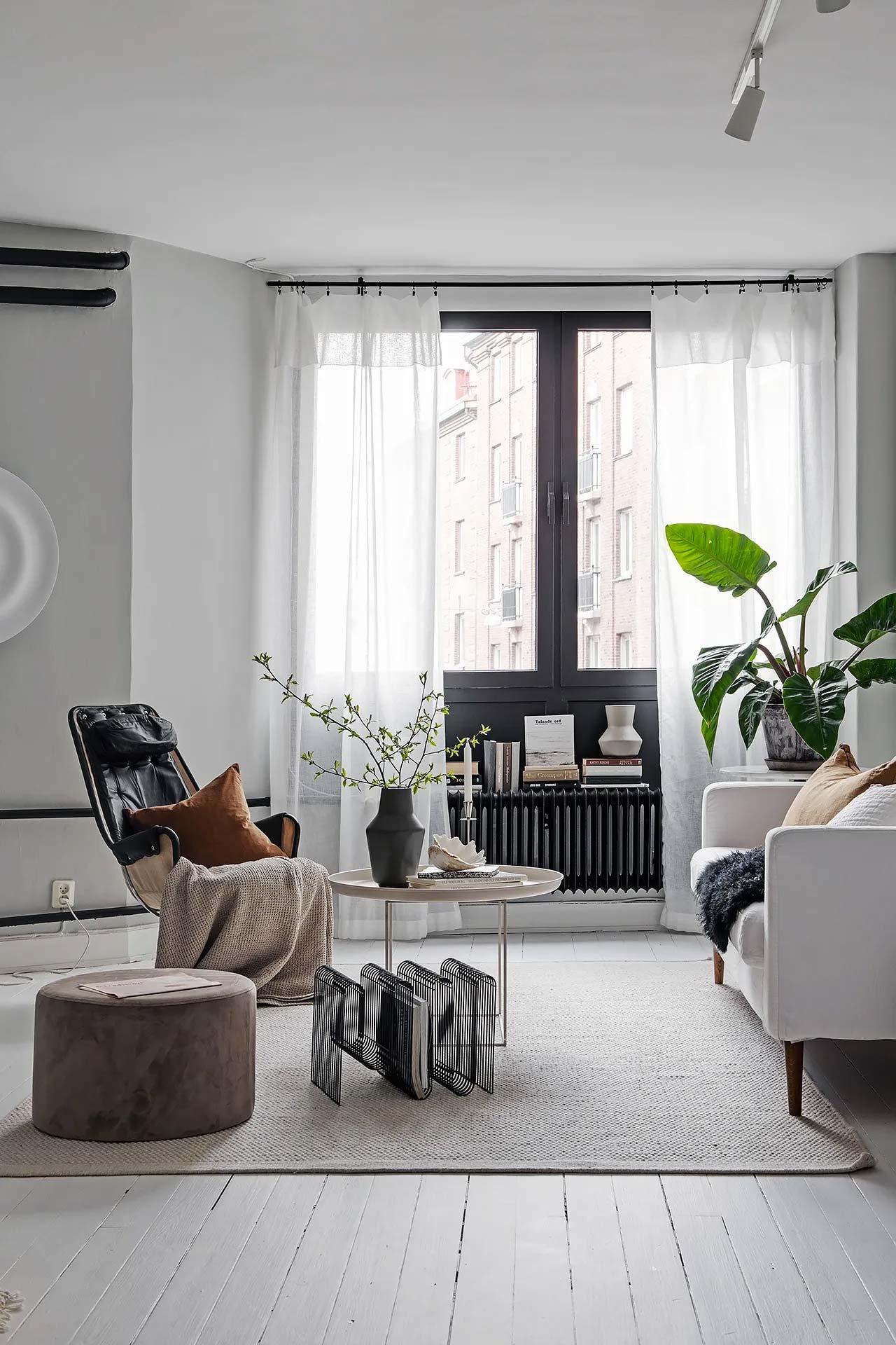 zwarte horizontale radiator
