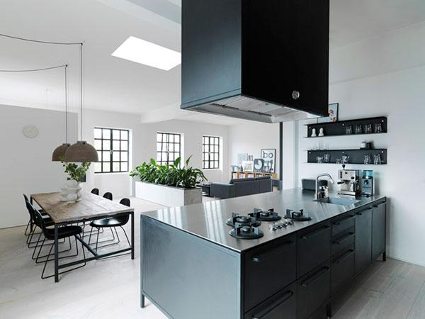 Vipp Keuken Modules : Bij de keuken heeft de ontwerper gekozen voor een stoere rustieke