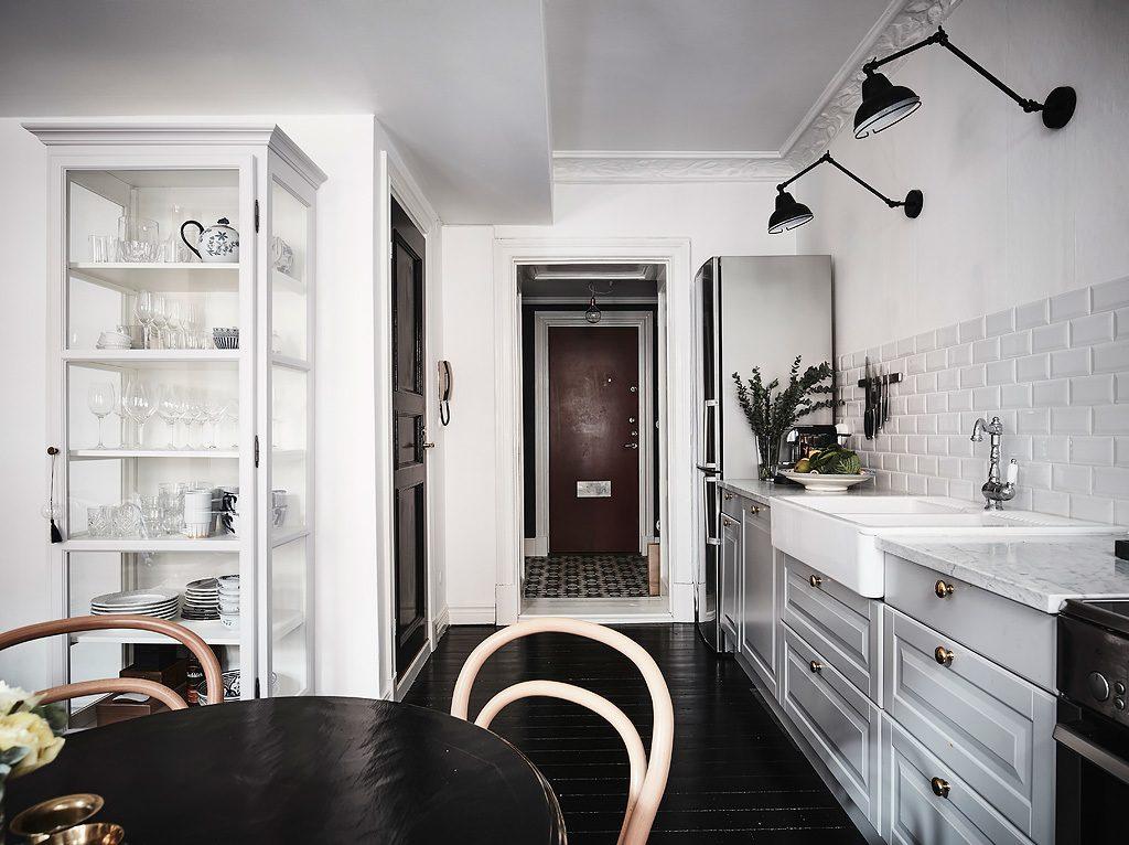 zwarte-vloer-woonkamer
