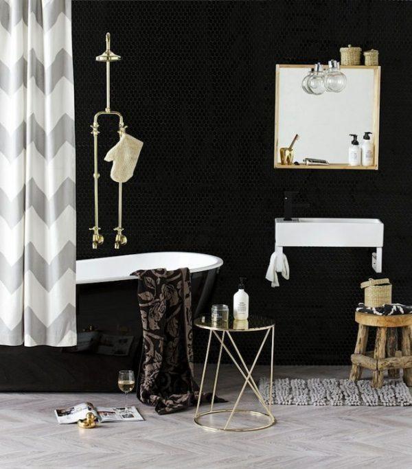 Zwarte wandtegels badkamer