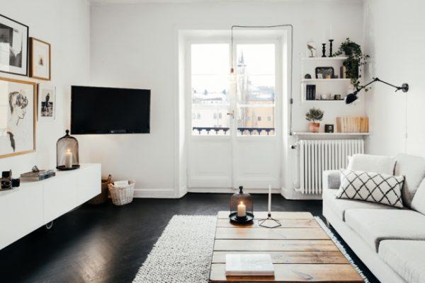... poten, heeft een zwevende TV meubel een moderne strakke uitstraling